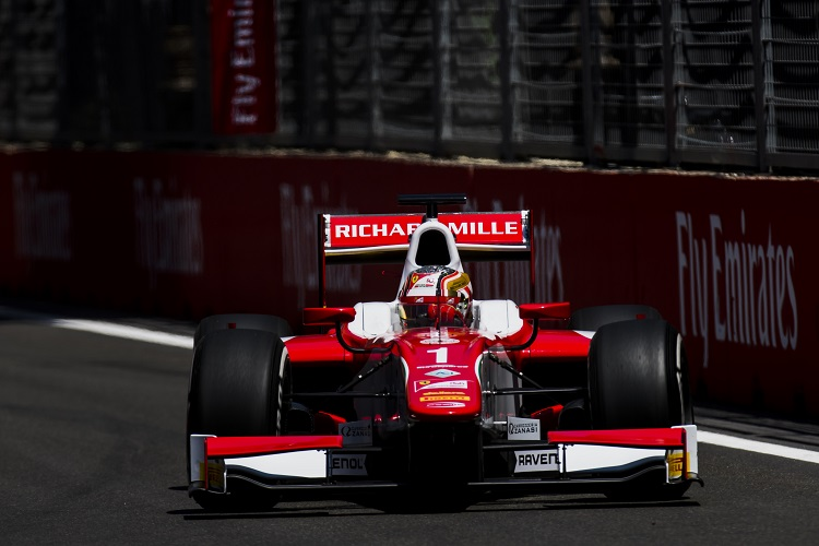 FIA Formula 2 in Baku: Race 1 kicks off