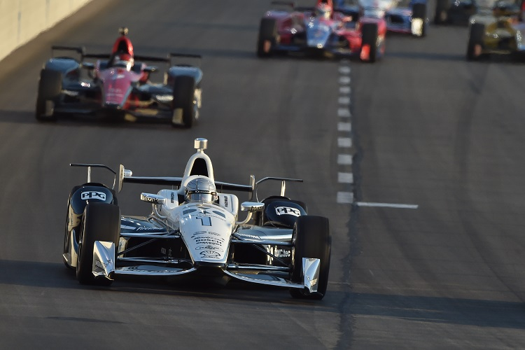 IndyCar race at Texas red-flagged after big crash