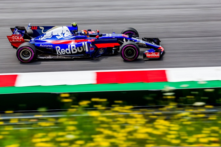 Sainz Jr. unlikely to get chance to move teams in 2018