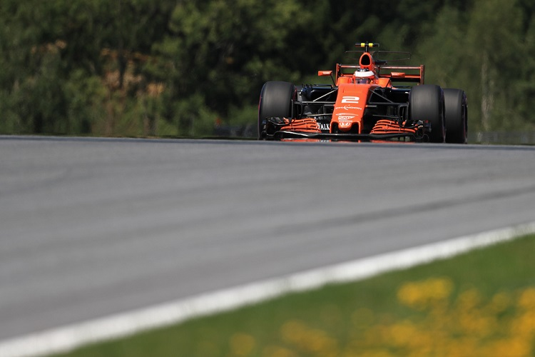 Hamilton leads Verstappen as McLaren starts strongly in Austria