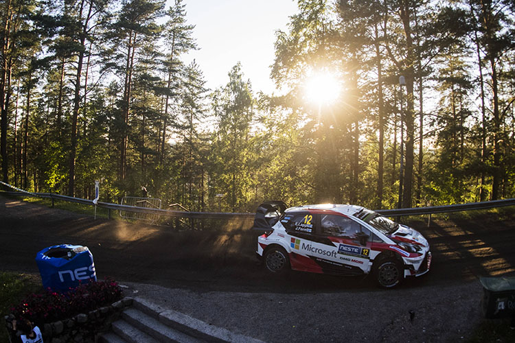 Breen slips back to fifth after tough day at Rally Finland