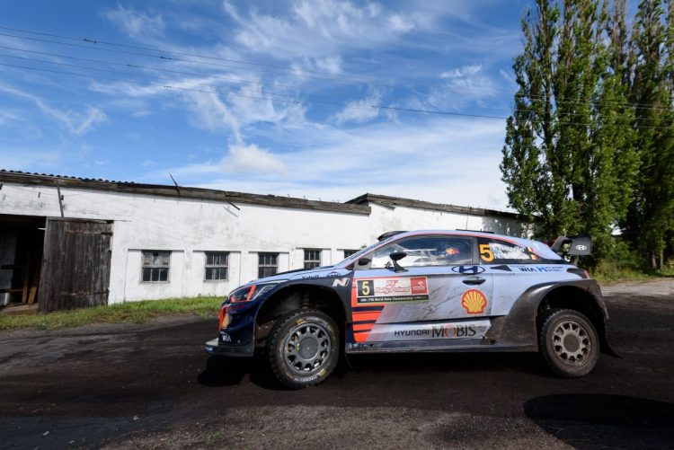 2017 Rally Poland Day 3 Neuville Holds Narrow Lead