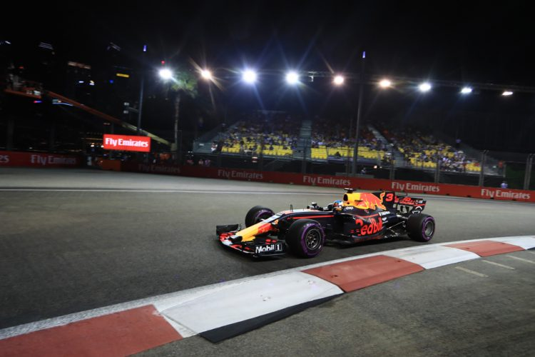 Hamilton floats as Vettel feels Singapore sting