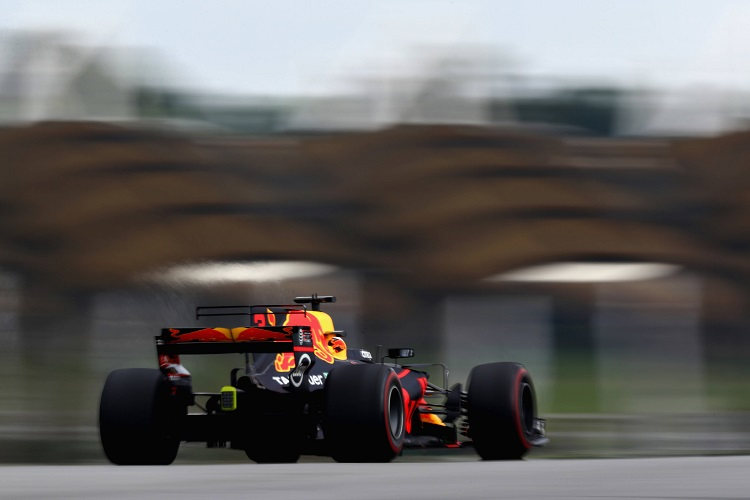 Verstappen tops wet opening Malaysia F1 practice after delay