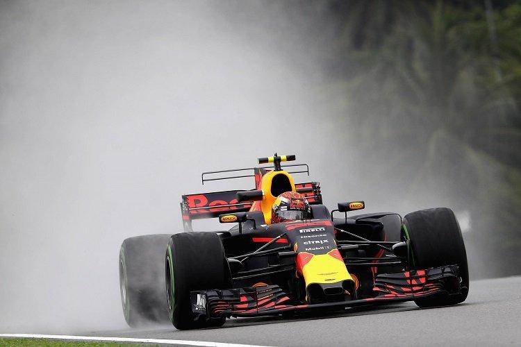Raikkonen will not change plans to help Vettel