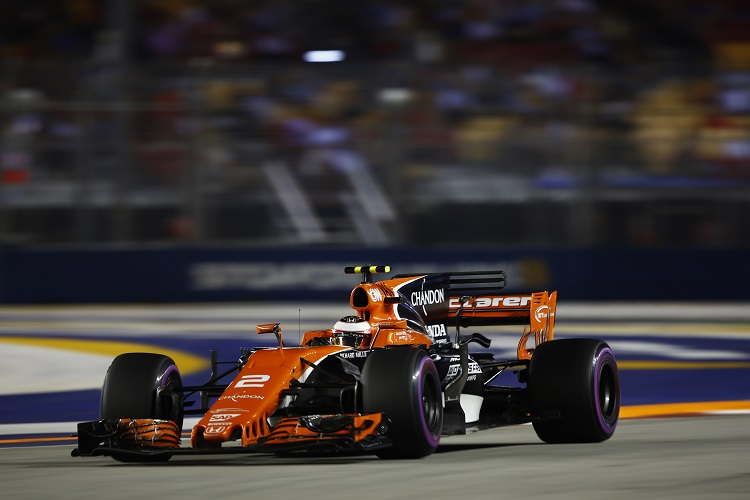 F1: Red Bulls charge through Marina Bay