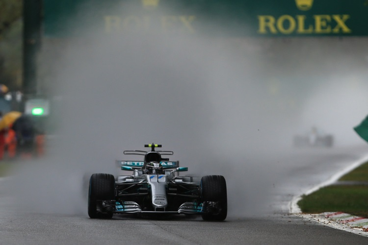 Bottas tops Hamilton, Mercedes extends domination at Monza