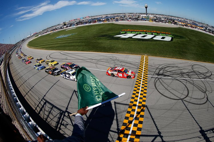 Moving to summer in 2018, Chicagoland Speedway to host NASCAR playoff