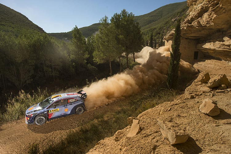 Meeke wins in Catalonia, Ogier soars in title race