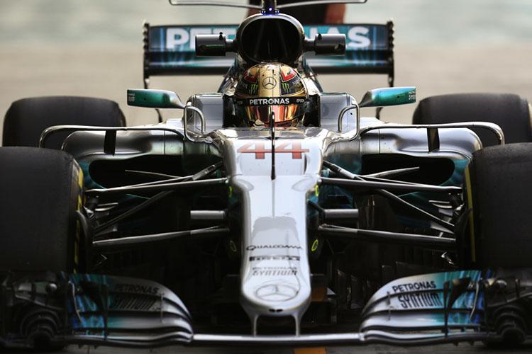 Bottas holds off Hamilton in Abu Dhabi GP