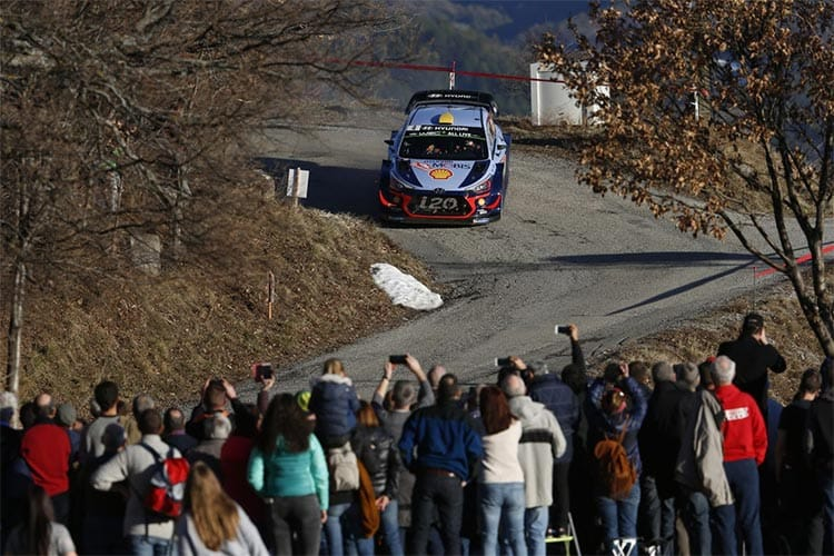 Ogier extends Monte Carlo Rally lead