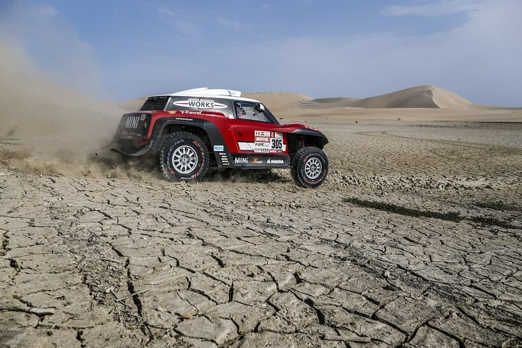 Dakar 2018: Bikes champion Sunderland out of rally while in Peru