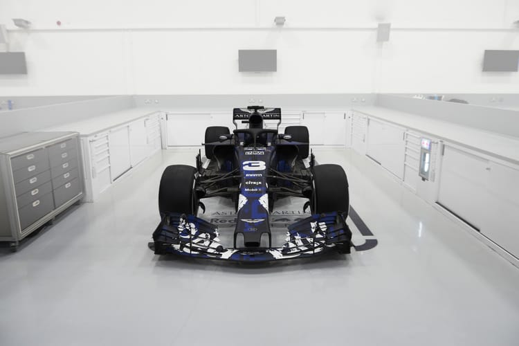 Red Bull launch 2018 auto, including halo protection device