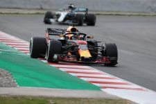 Max Verstappen chased by Lewis Hamilton at the 2nd Barcelona test, 2018