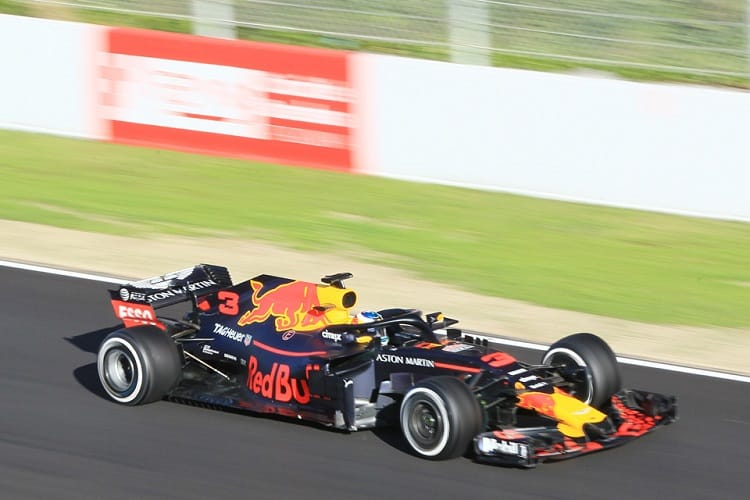 Sebastian Vettel smashes track record set by Daniel Ricciardo class=
