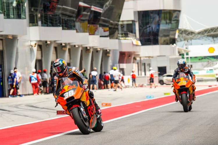 Neil Hodgson Interview - KTM MotoGP Team