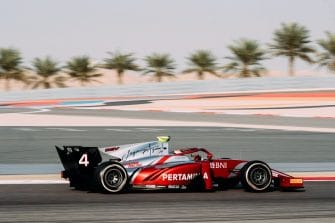 Nyck de Vries was fastest on day one in Bahrain