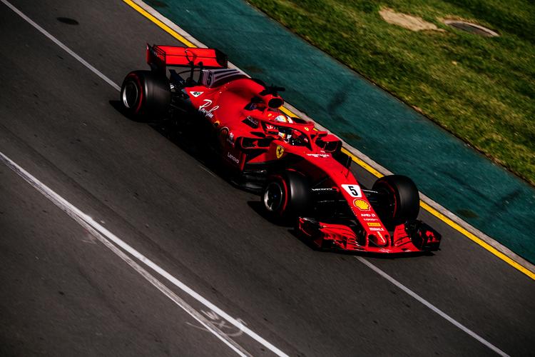 Sebastian Vettel leading Australian GP 2018