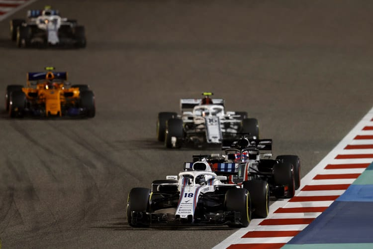 Williams cars battle in the midfield during the Bahrain Grand Prix