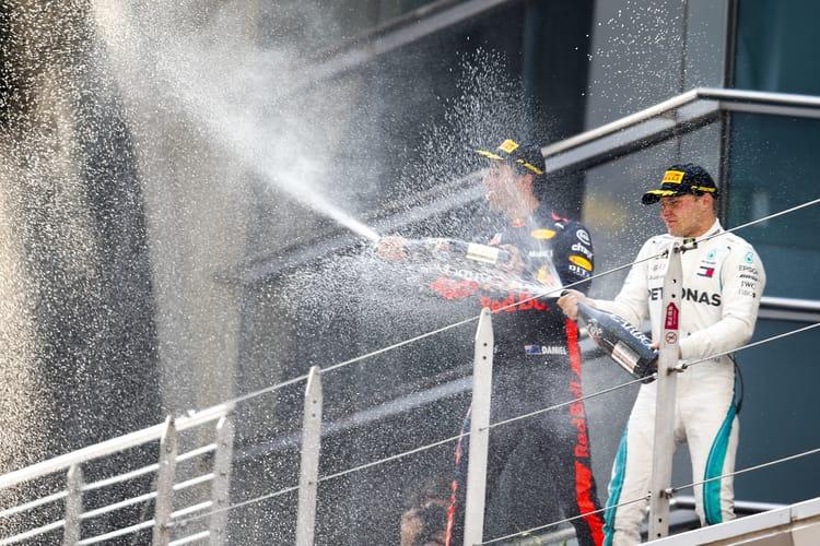 Daniel Ricciardo and Valtteri Bottas on the podium at the 2018 Chinese Grand Prix