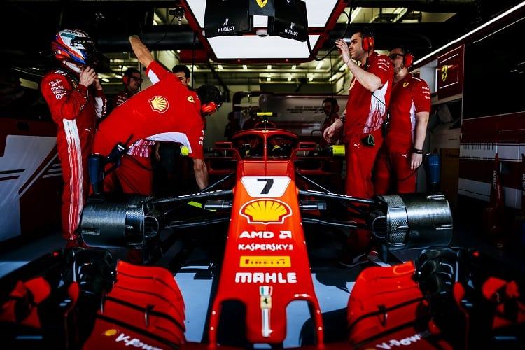 Kimi Raikkonen retired from the Bahrain Grand Prix