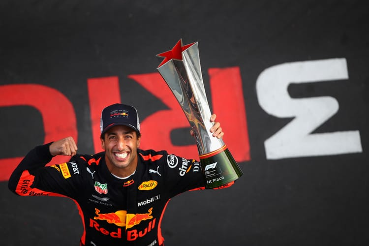 Daniel Ricciardo with his Chinese GP 2018 trophy
