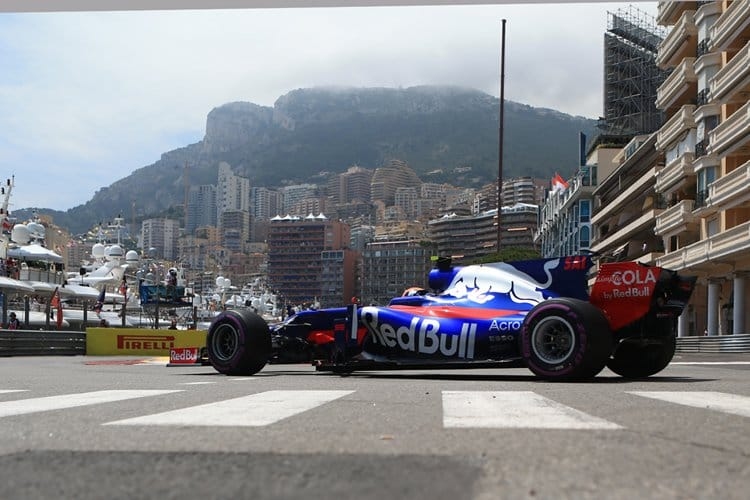 A Toro Rosso charges around the Circuit de Monaco