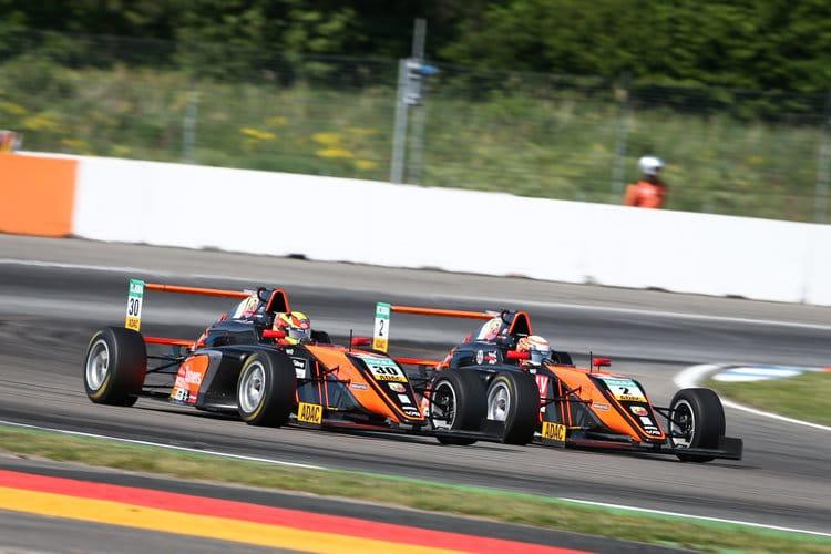 Liam Lawson #30 / Frederik Vesti #2 - Van Amersfoort Racing - ADAC F4