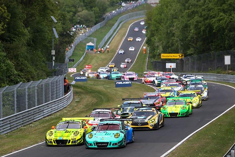 Manthey-Racing, Porsche 911 GT3 R (911), Kevin Estre (F), Romain Dumas (F), Laurens Vanthoor (B), Earl Bamber (NZ), Falken Motorsports, Porsche 911 GT3 R (44), Klaus Bachler (A), Sven Mueller (D), Martin Ragginger (A), Dirk Werner (D)
