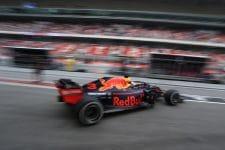 Ricciardo leaving the pits in a hurry