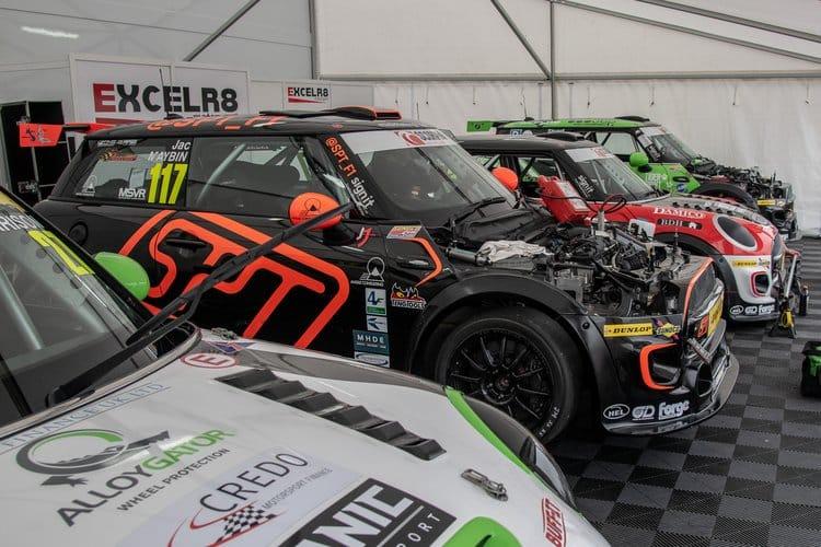 MINI Challenge - Excelr8 Motorsport