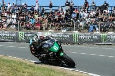 Michael Dunlop wins Lightweight TT Race