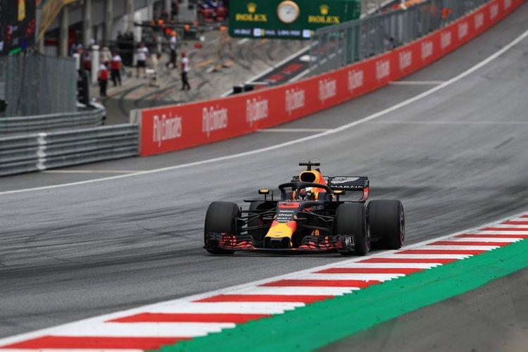 Ricciardo in qualifying