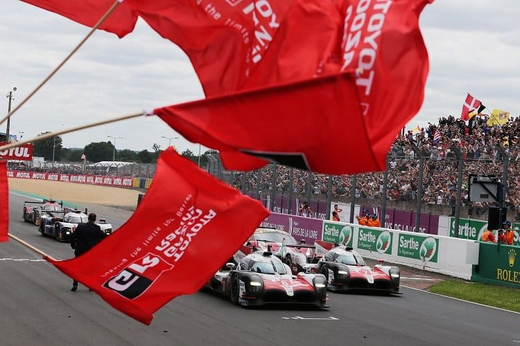 Kazuki Nakajima, Fernando Alonso & Sebastien Buemi - Toyota Gazoo Racing