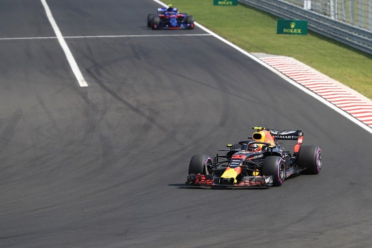 Renault hits back at Red Bull fury