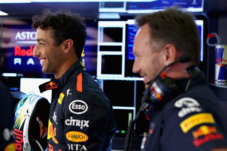 Daniel Ricciardo & Christian Horner - Aston Martin Red Bull Racing - Circuit de Barcelona-Catalunya