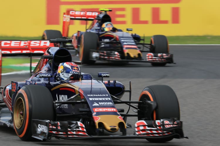 Carlos Sainz Jr. and Max Verstappen - 2015 Japanese Grand Prix