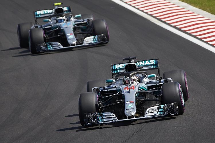 Lewis Hamilton & Valtteri Bottas - Mercedes AMG Petronas Motorsport - Hungaroring