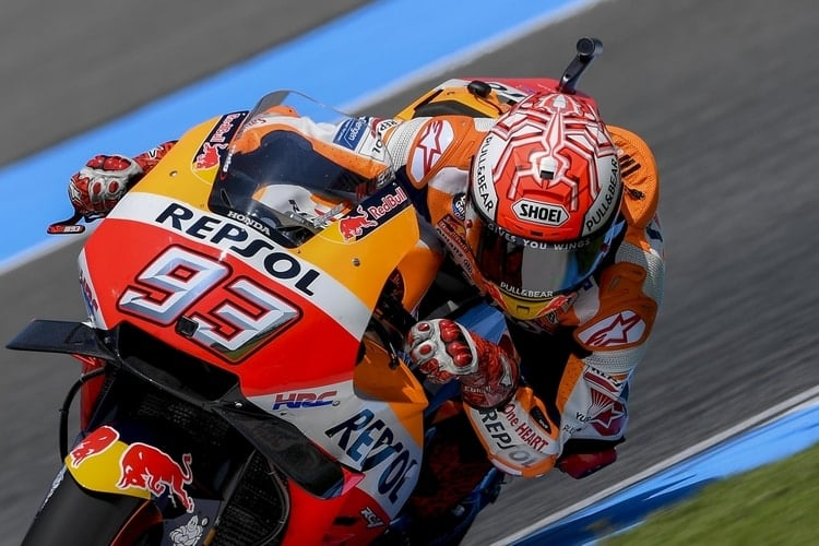 Marquez takes pole in Thailand ahead of resurgent Yamaha - The ... 8693a525cc4