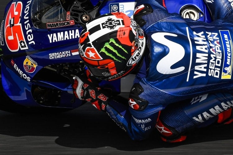 Viñales wins in action-packed Australian GP to finally end Yamaha s ... 95fdfbd7745