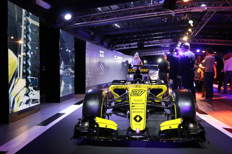 Renault F1 Showcar - 2018 INFINITI Project Black S Launch