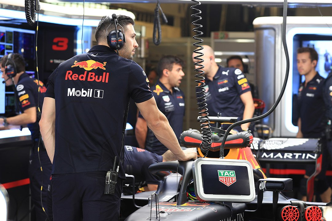 Checkered Flag VW >> TAG Heuer extend Red Bull Racing sponsorship until 2021 ...