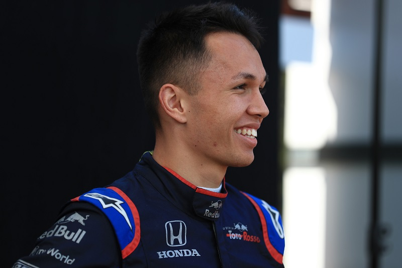"""Checkered Flag Vw >> Alexander Albon: """"The cars are just at a different level ..."""