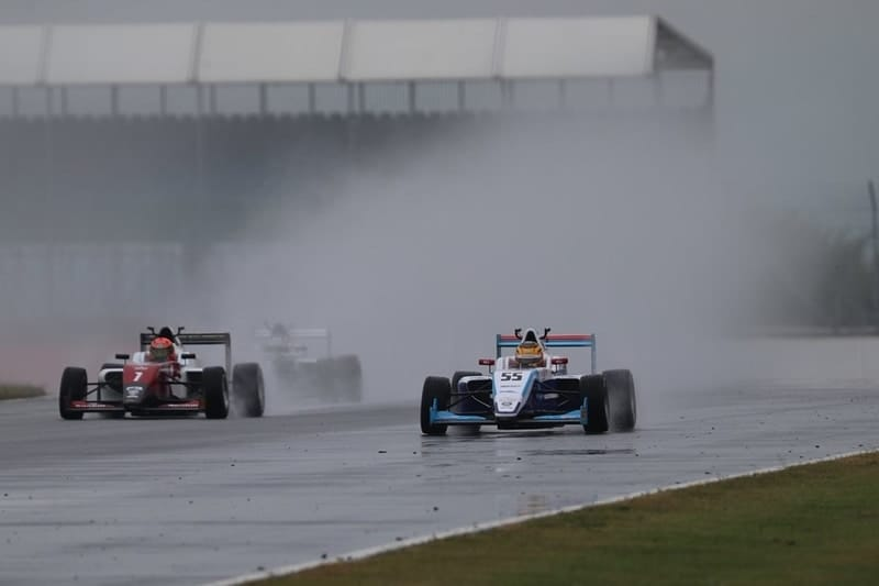 Ulysse De Pauw and Nazim Azman in BRDC British F3 Silverstone GP qualifying