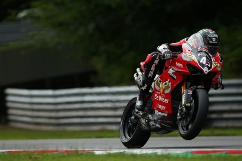 Redding produces sensational lap to take Pole at Brands