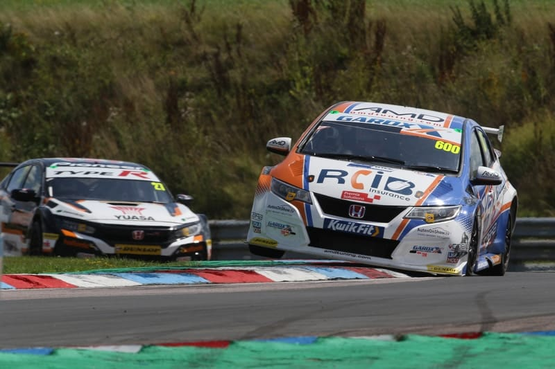 Tordoff converts pole to victory in Race 1 at Thruxton - The Checkered Flag