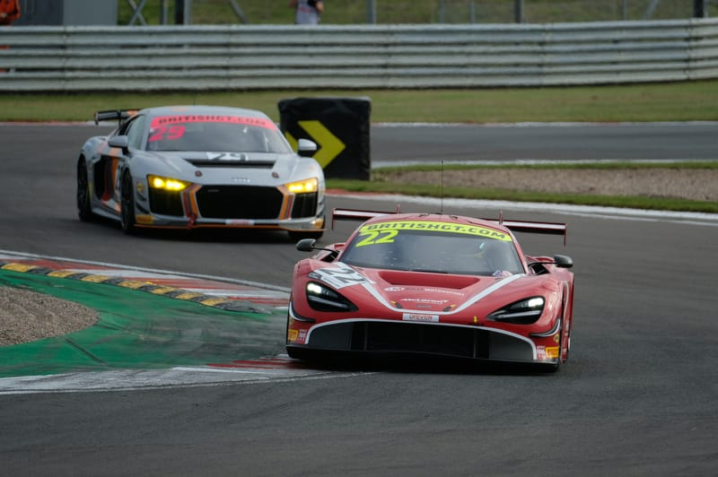 LIVE: 2019 British GT 300 - Championship Finale - The Checkered Flag