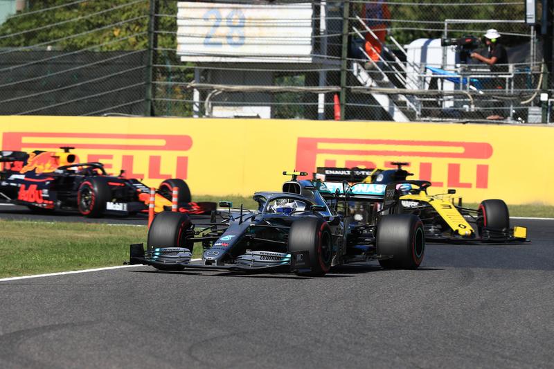 Japn - Mercedes, Red Bull