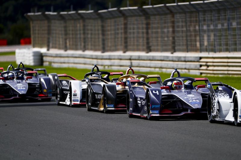 Robin Frijns - Envision Virgin Racing - Jean-Éric Vergne- DS Techeetah in the 2019-20 ABB FIA Formula E Championship - Valencia - Pre-Season Testing - Day Three