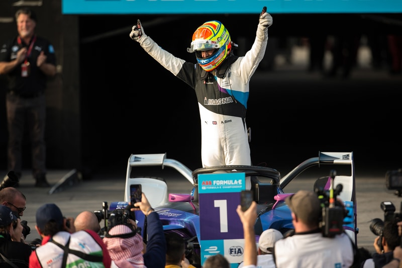 Alexander Sims wins for BMW i-Andreeti Motorsport